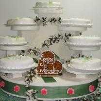 Wedding cake sur présentoir